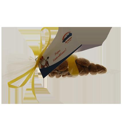 Klein puntzakje kruidnootjes als Sinterklaas cadeautje